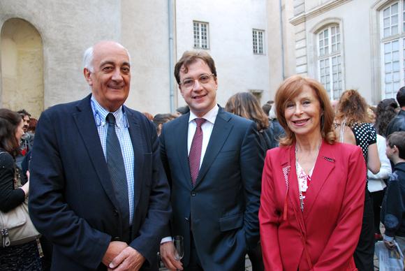 5. Serge Dorny, directeur de l'Opéra de Lyon entouré de Geneviève et Pierre-Henri Watine