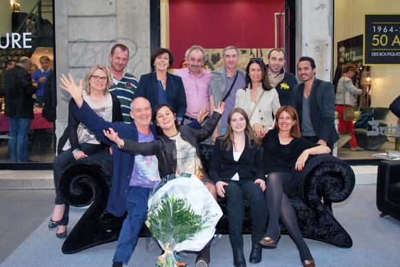 6. L'équipe Raphaele avec le designer Hartmut Bretz