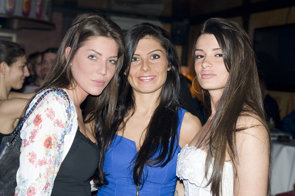 18. Renata, Stéphanie et Natacha