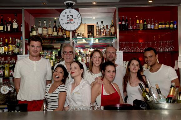 1. Albert et la team du Café du Pond