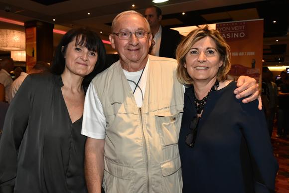12. Henri Menoud félicité par Cathy Merli et Chantal Partouche