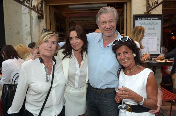 17. Marie-Noëlle, Caroline, Claude et Béryl