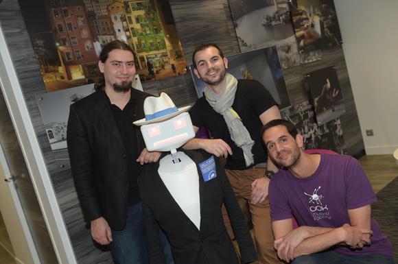 50. Christophe Casson (Kliplab), le robot Sheldon, Maxime Vallet (Evotion) et Baptiste Burles (Kliplab)