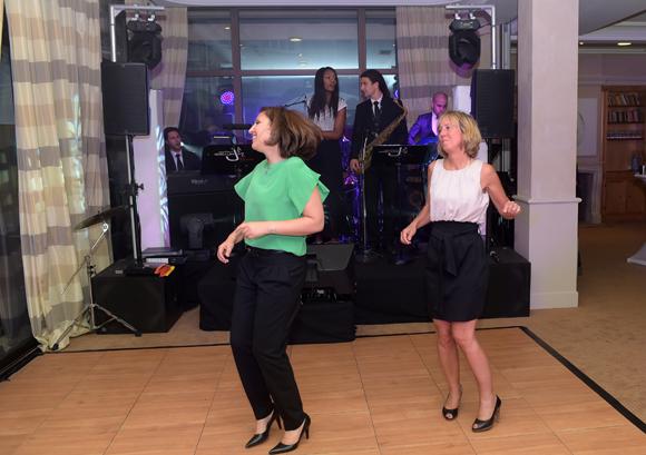 51. Nora et Blandine rentrent dans la danse