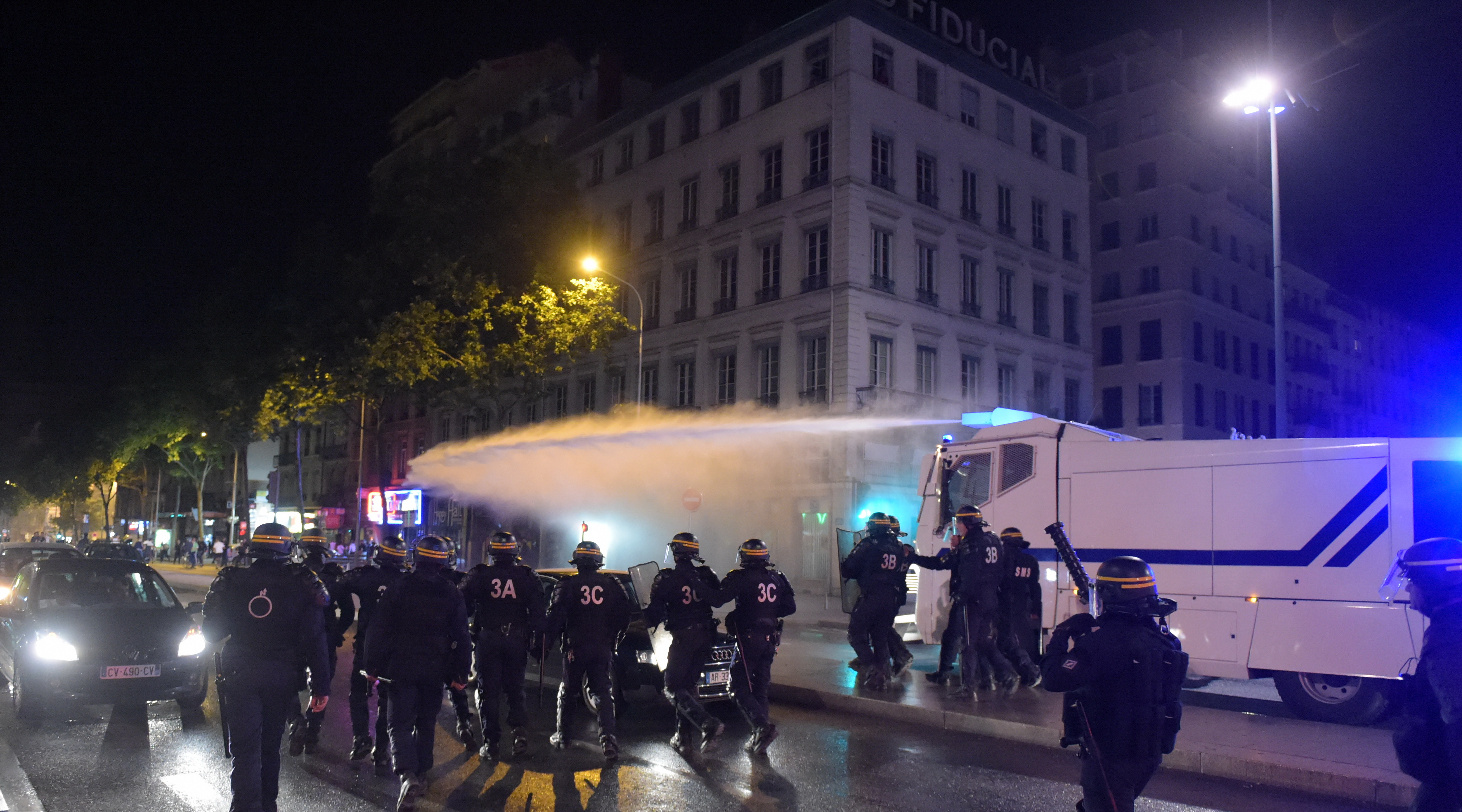 Douche froide pour les supporters algériens