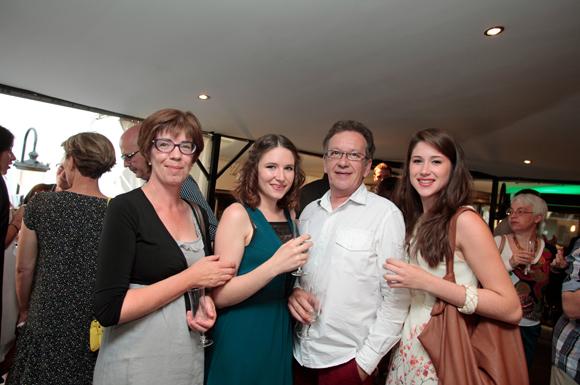 17. Margot, diplômée et Juliette (CEESO Lyon), Catherine et Christian Roulin