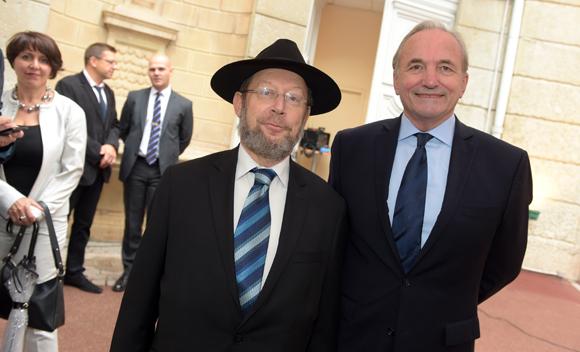 17. Richard Wertenschlag, grand rabbin de Lyon et Gérard Herrbach, consul du Luxembourg
