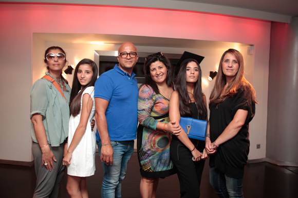 33. Fatiha (Boutique Plein Sud), Morgan, Azouz, Myriam, Cheryne, diplômée et Salima