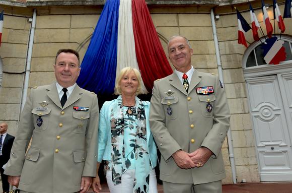 35. Le Général Christian Peraldi, la photographe Evelyne et le Général Martial de Braquilanges