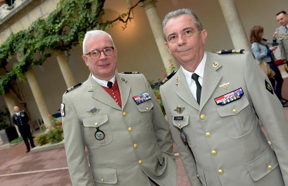42. Le lieutenant-colonel Denis Sevaistre et le Colonel Philippe Bardet