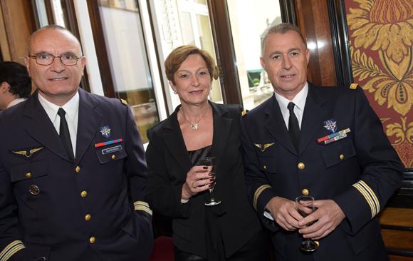 46. Le lieutenant-colonel Patrick Marchisio, le Lieutenant-colonel Jean-Claude Chevaleyre et son épouse Agnès