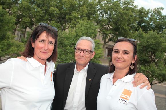 6. Gilles Claus (Experta Finances) entouré de Sylviane et Sandrine (DCB International)