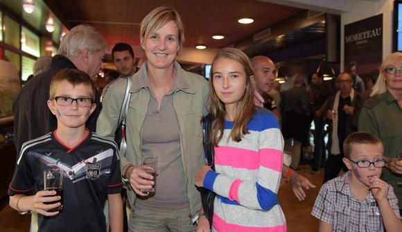 11. Isabelle Loisy ses enfants Mathias et Léa