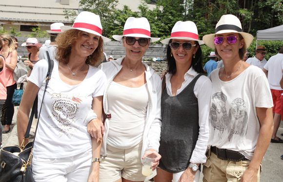 12. Nathalie Cot, Sylvie Capony, Karine Fontaine et Gaëlle Gauthier