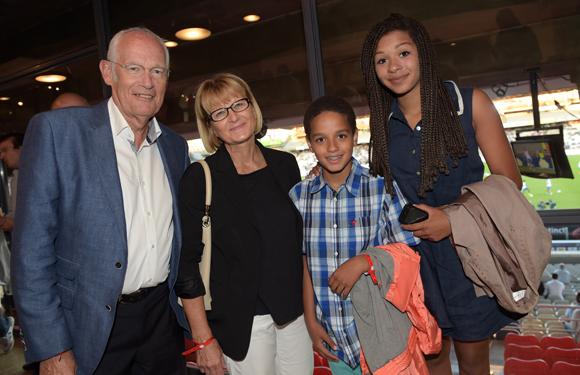 17. Alain Jeannot, conseiller général, son épouse Danielle, leurs enfants Tristan et Gaïa