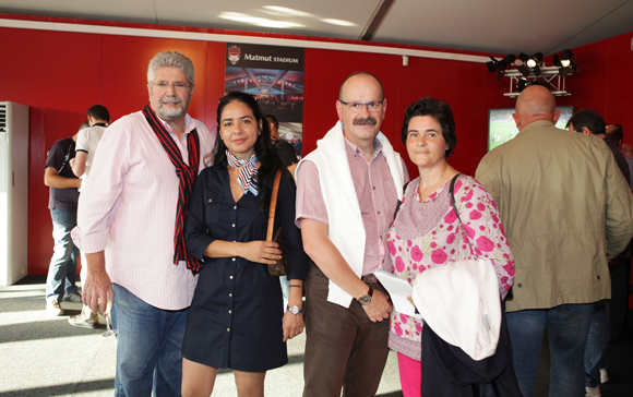 10. Jean-Claude Dimech, Hedia Perry, Bertrand Fleury et Carole son épouse (Handimat)