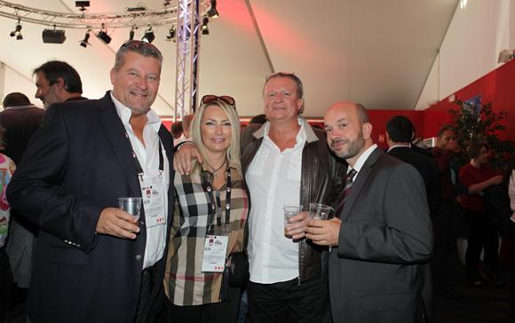 1. Les assureurs Christophe Gerbaud et Corinne Paris, Eric Verbrugge (Euro Cave) et Julien Bonnard (LOU Rugby)