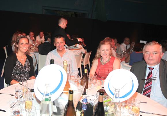 23. Valérie Chène (LCL), Thierry Bouchet (champagne de Venoge), Virginie Plaza (Nissan Groupe Bernard) et Gérard Cormorèche (Crédit Mutuel)