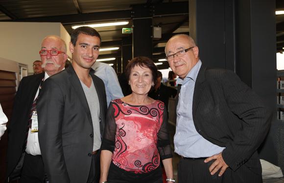 23. Yann Cucherat, adjoint aux Sports, Andrée Loscos, adjointe au maire de Vénissieux et Henri Thivillier, architecte