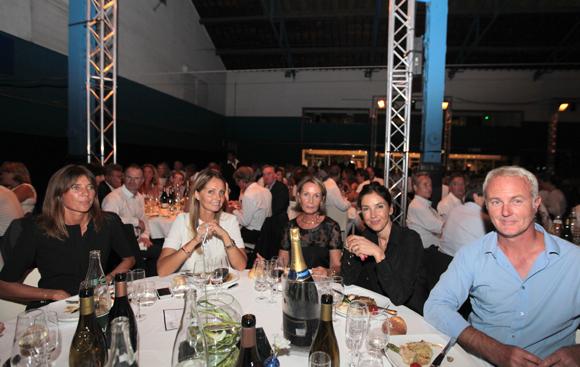 27. Axelle Lamiche (Lyon People), Coralie et Anne-Marie Hoernel, Aurélie Cellerier et Philippe Hoernel