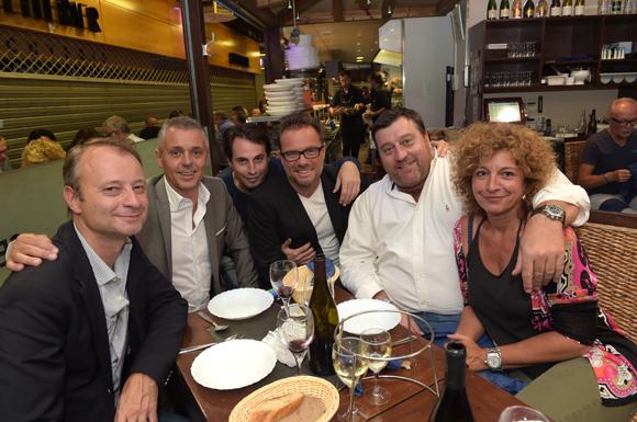31. La table de Lyon People