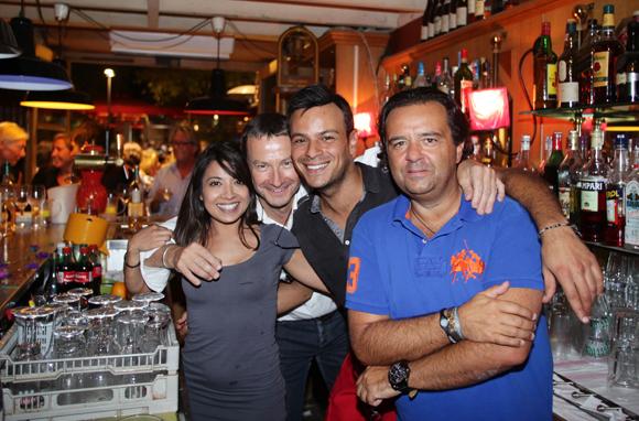 31. Amina, Joël, Sofiane et Chris (Le café du Pond)
