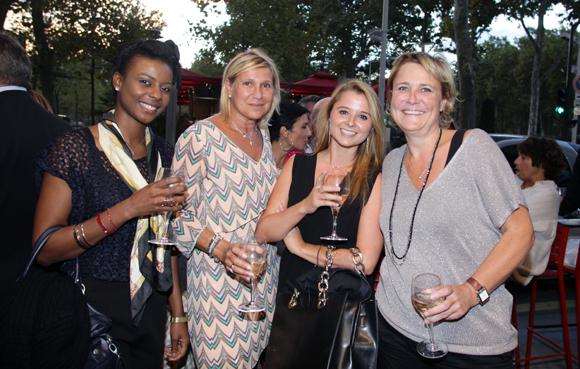 6. Elizabeth Rekety, aide-soignante, Sylvie Dufour, Claire Thévenet, Laurence d'Hollandes (Médicis Patrimoine)