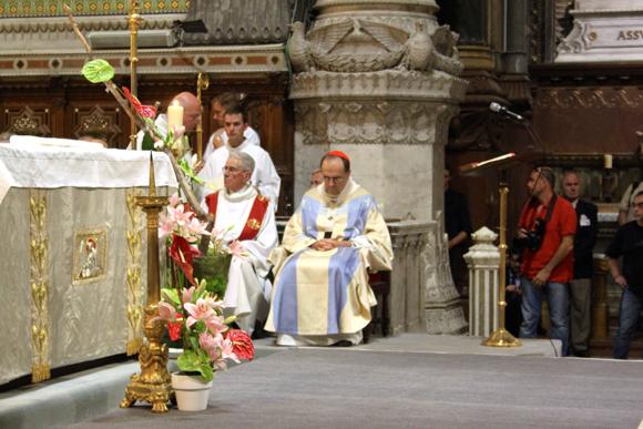 23. Le temps du recueillement pour le cardinal Barbarin après une homélie vibrante en communion avec les chrétiens d'Irak