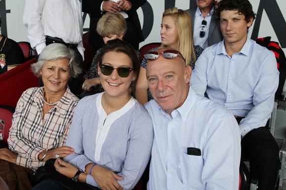 11. Caroline, Marie et Philippe Bernand, directeur général des Aéroports de Lyon