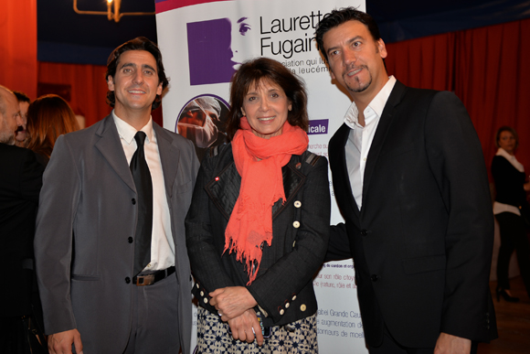 13. David et Serge Massot entourent Stéphanie Fugain