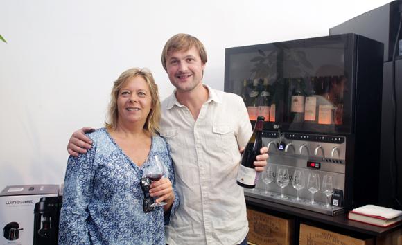 17. Catherine Roux (Comptoir d'Alice) et le viticulteur Stéphane Ogier