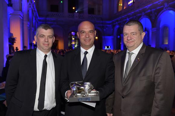 27. Laurent Bouvier, président des Toques Blanches Lyonnaises, Jérôme Bocuse, Trophée d'Honneur et Christophe Marguin