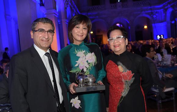 32. Christian Missirian (EDF) et Kin Dao, Trophée Cuisine du Monde (Le Vietnam à Lyon 6ème)