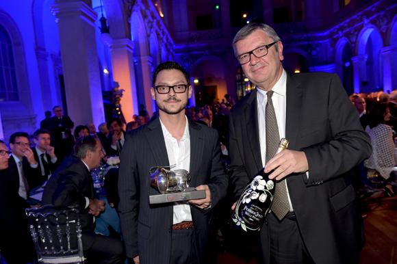 36. Philippe Savinel (Champagne Perrier-Jouët) et Hubert Vergoin, Trophée Chef espoir de l'année (Le Substrat – Lyon 2)