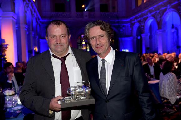 37. Gilles Paris (Inter Beaujolais) et Gérard Passédat, Trophée Grande table de l'année (Le Petit Nice à Marseille)
