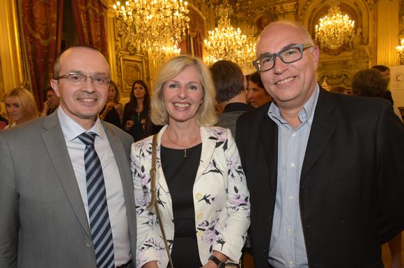40. Sylvain Moureau (Areva), son épouse Odile et Frédéric Joubert, directeur artistique