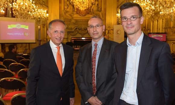 6. Eric Vernusse, président du Club de la Com, le lieutenant-colonel Jérôme Sallé et Hubert Engelmann (GFC Construction)