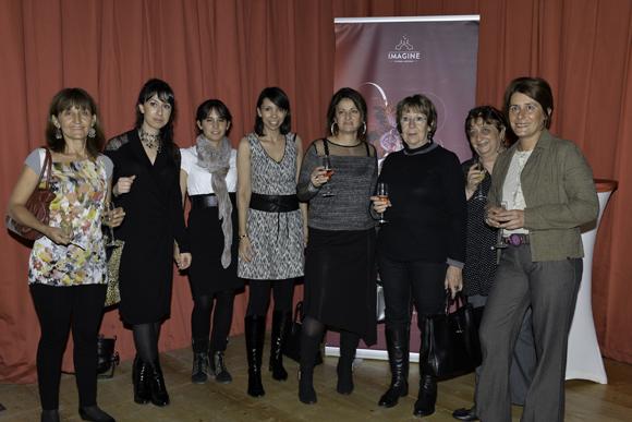 6. L'équipe Décines Santé avec sa directrice Marie Branchu (5e partant sur la gauche)