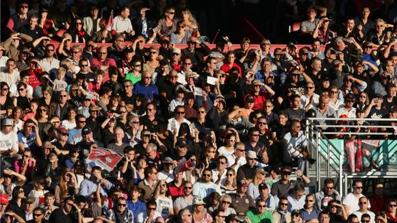26. 10 000 spectateurs dans les tribunes du Matmut stadium