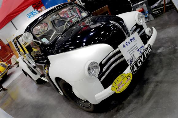 30. La 4CV Pie équipant la police parisienne entre 1955 et 1962