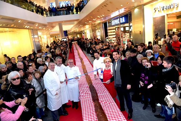 Le plus long saucisson brioché du monde à la Confluence
