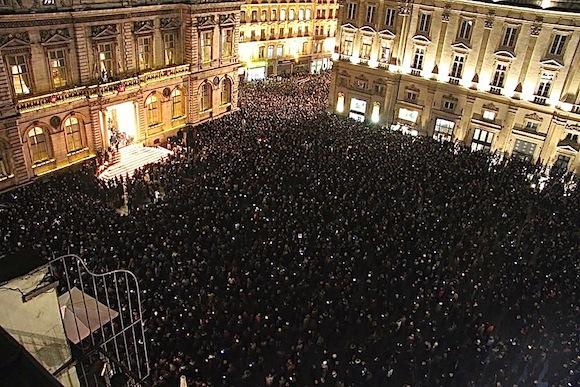 Le premier rassemblement lyonnais place des Terreaux avaient réuni près de 15 000 personnes, mercredi 7 janvier 2015