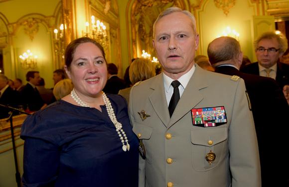 12. Le général Pierre Chavancy, gouverneur militaire de Lyon et son épouse Florence