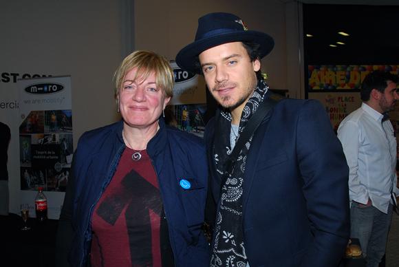 12. Valérie Croze (Carrefour Ecully) et le chanteur Brice Conrad