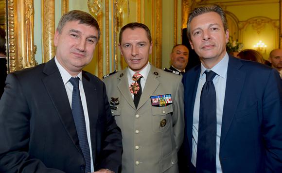 13. Christophe Guilloteau, député du Rhône, le colonel Gilles Coulougnon et Pascal Blache, maire du 6ème