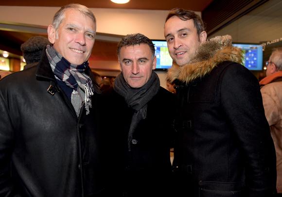 14. Christophe Galtier, entraineur de l'ASSE, entouré de deux anciens joueurs Eric Castagnino et Hasan Kachloul