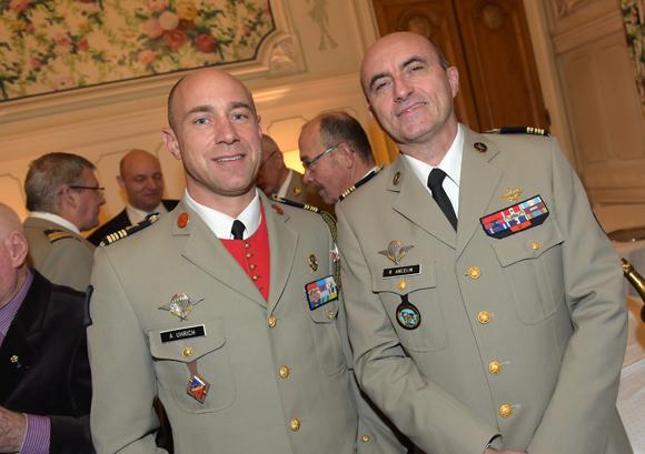 24. Les colonels Alexis Uhrich et Renaud Ancelin