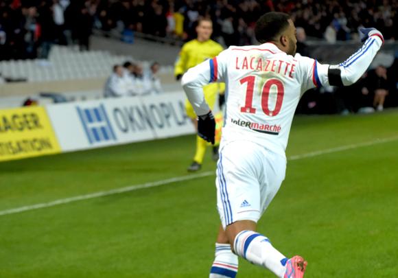 25. Alexandre Lacazette, 19 buts en 20 matchs…