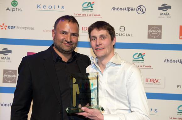 33. Trophée Coup de Cœur du jury remis à Tom Thiellet (Le Moulin à salades) par Simon Hoayek (Byblos Group)