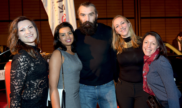 43. Maud, Ihsan, Sébastien Chabal, la photographe Emeline Corveleyn et Audrey